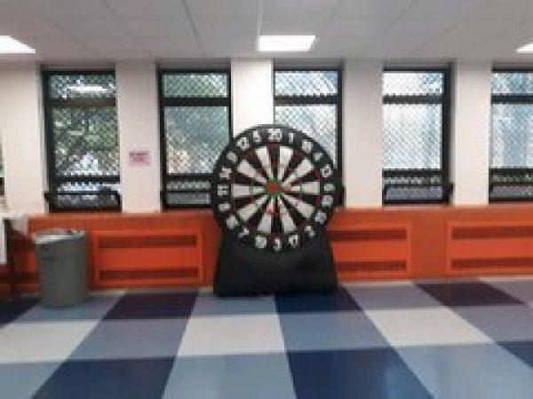 Giant 6 ft Dartboard / baseball throw Game